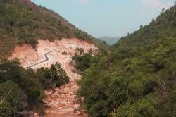 Dawei-Myitta road near Bawapin tin mine. By Ashley Scott Kelly, 2015.