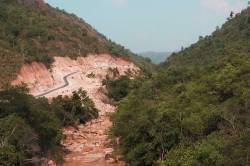 Dawei-Myitta road near Bawapin tin mine. By Ashley Scott Kelly, 2015.