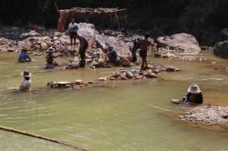 Kalonehtar River tin mining. By Dorothy Tang, 2015.